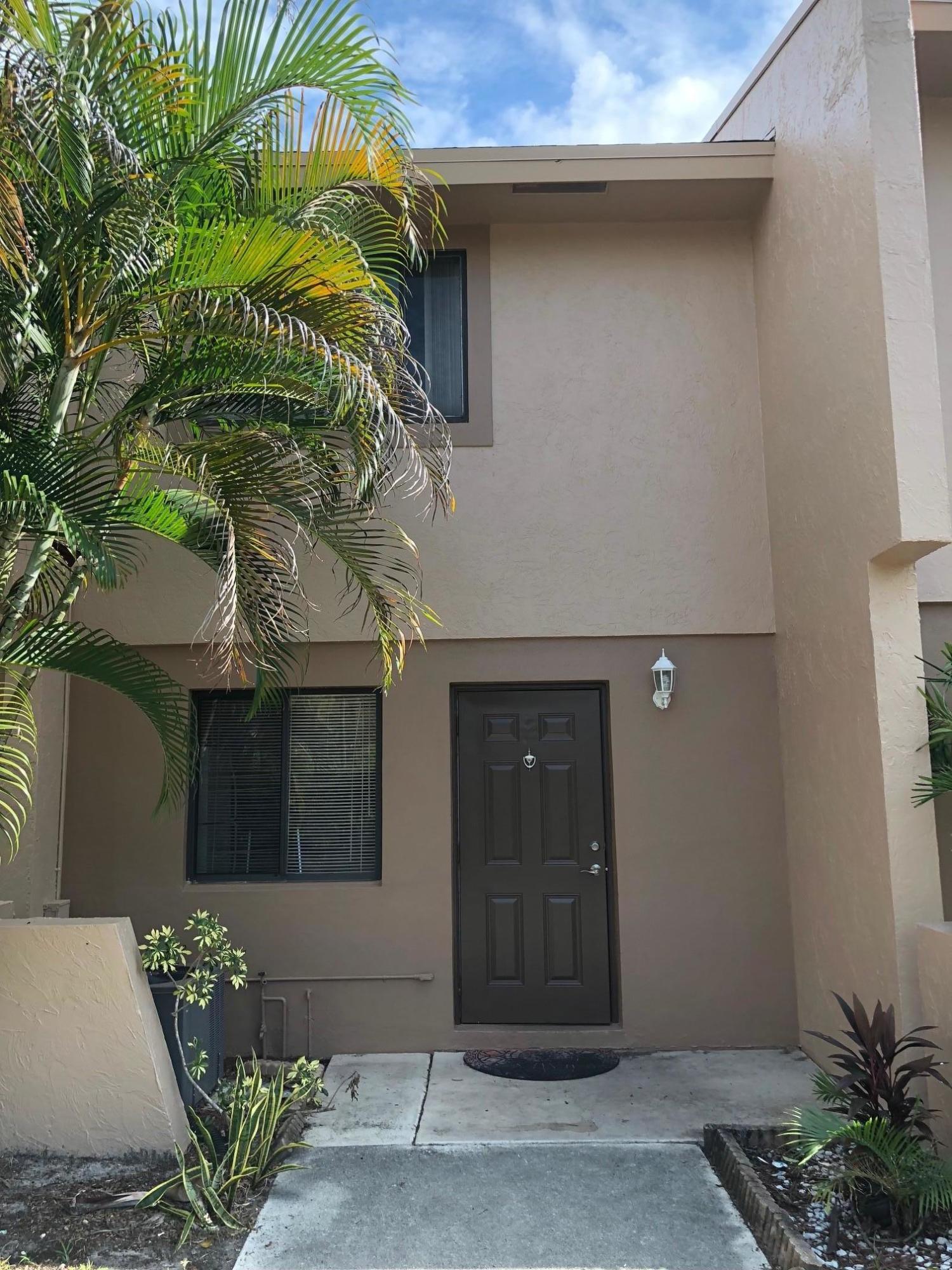 139 Sparrow, Royal Palm Beach, FL 33411