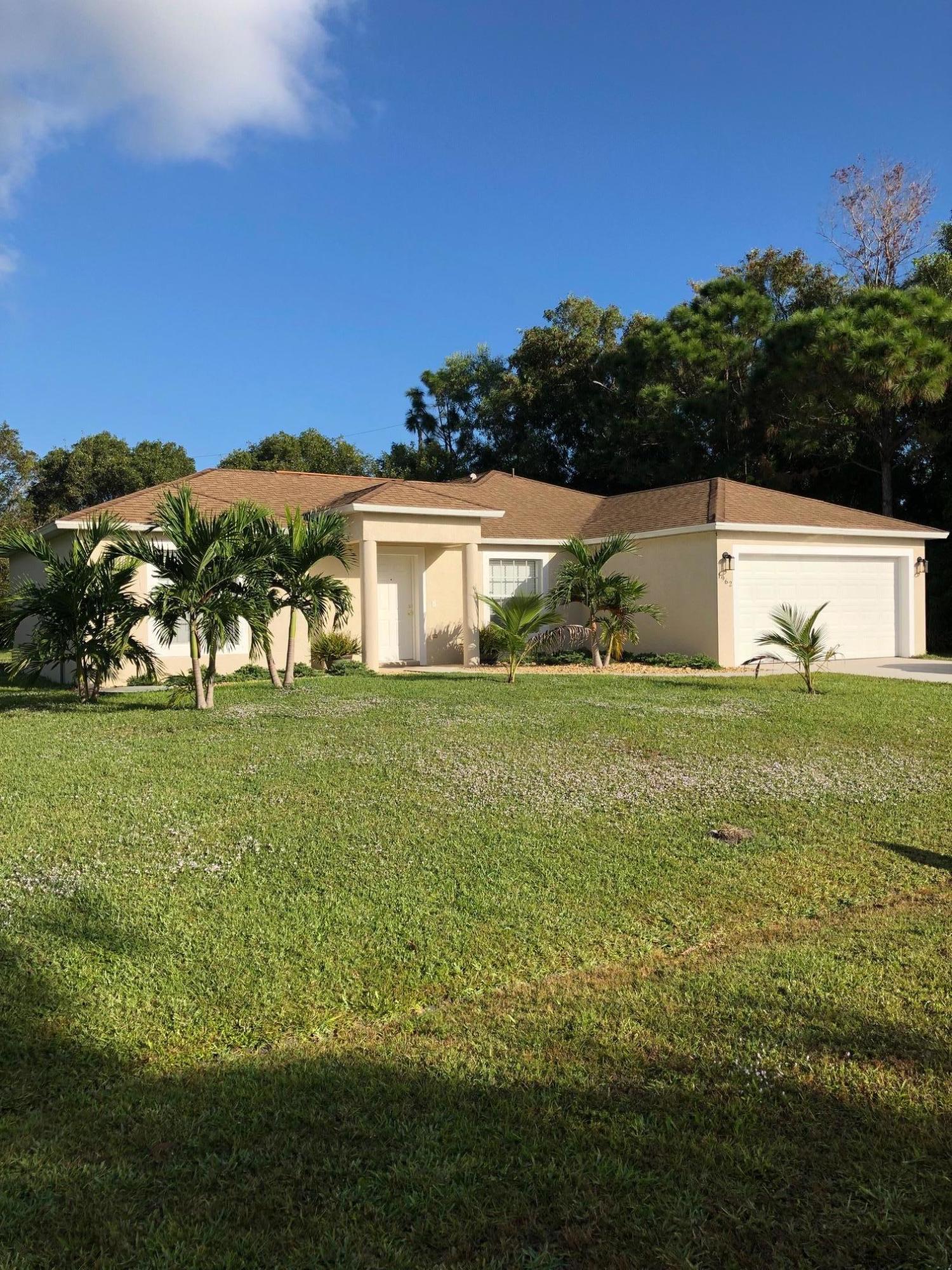 1962 Se Dranson Circle, Port Saint Lucie, FL 34952