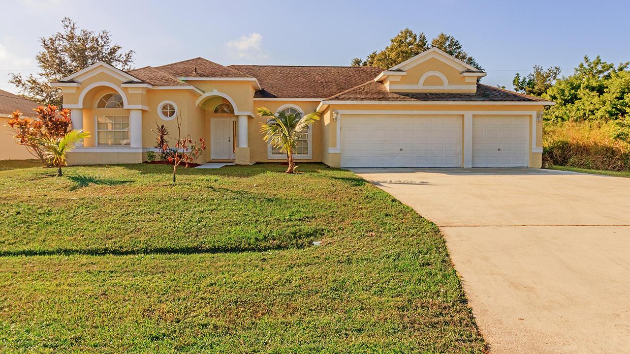 1426 Sw Malaga Avenue, Port Saint Lucie, FL 34953