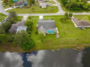 925 Sw Jacqueline Avenue, Port Saint Lucie, FL 34953