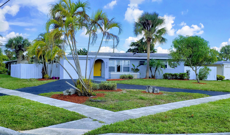 6295 Lakeshore Dr Drive, Margate, FL 33063
