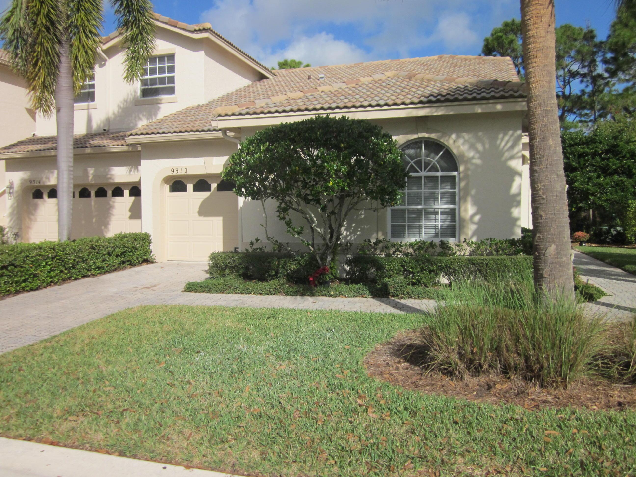 9312 Wentworth Lane, Port Saint Lucie, FL 34986