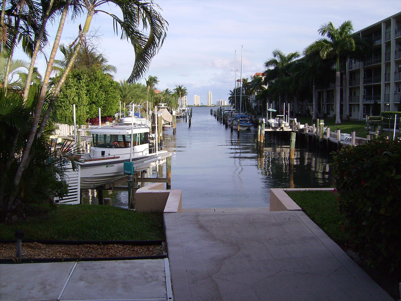 400 Corsair Drive, North Palm Beach, FL 33408