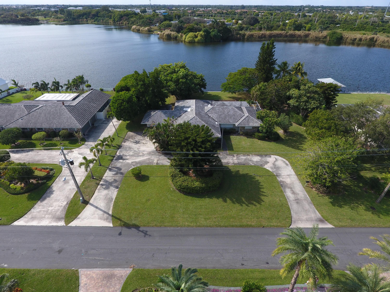 3865 S Lake Drive, Boynton Beach, FL 33435