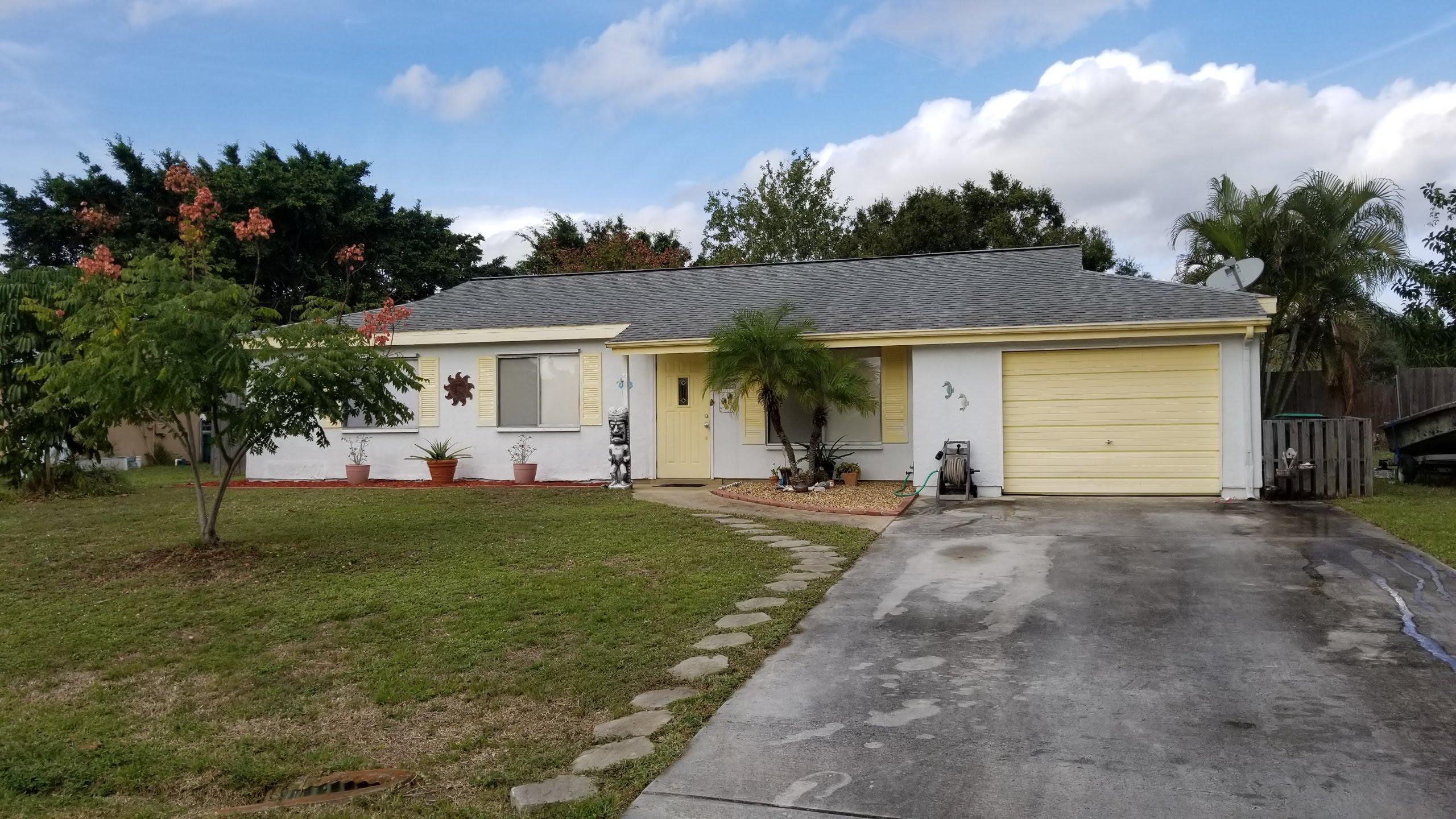 237 Sw Kentwood Road, Port Saint Lucie, FL 34953