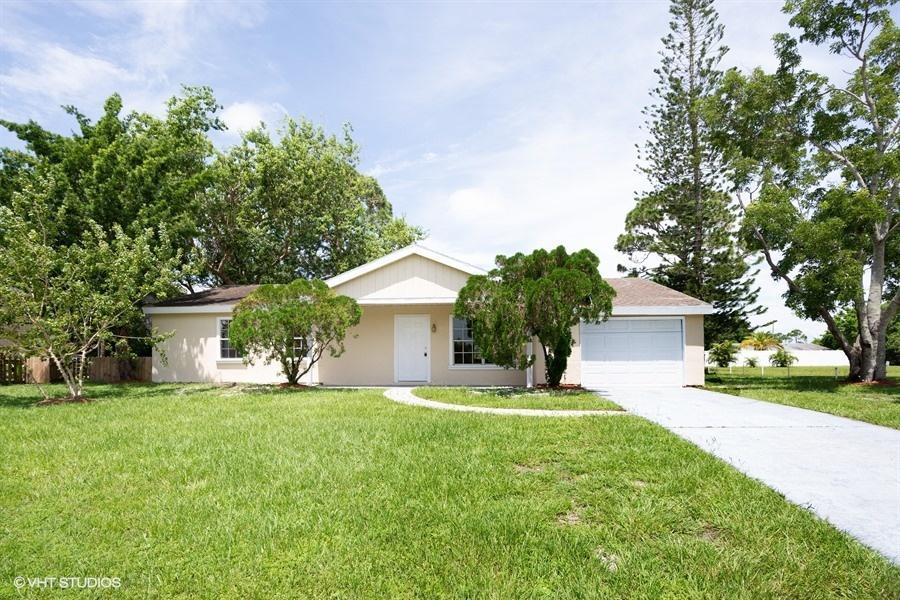 269 Sw Kentwood Road, Port Saint Lucie, FL 34953