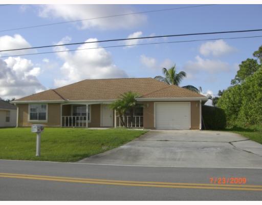 2226 Se Tiffany Avenue, Port Saint Lucie, FL 34952