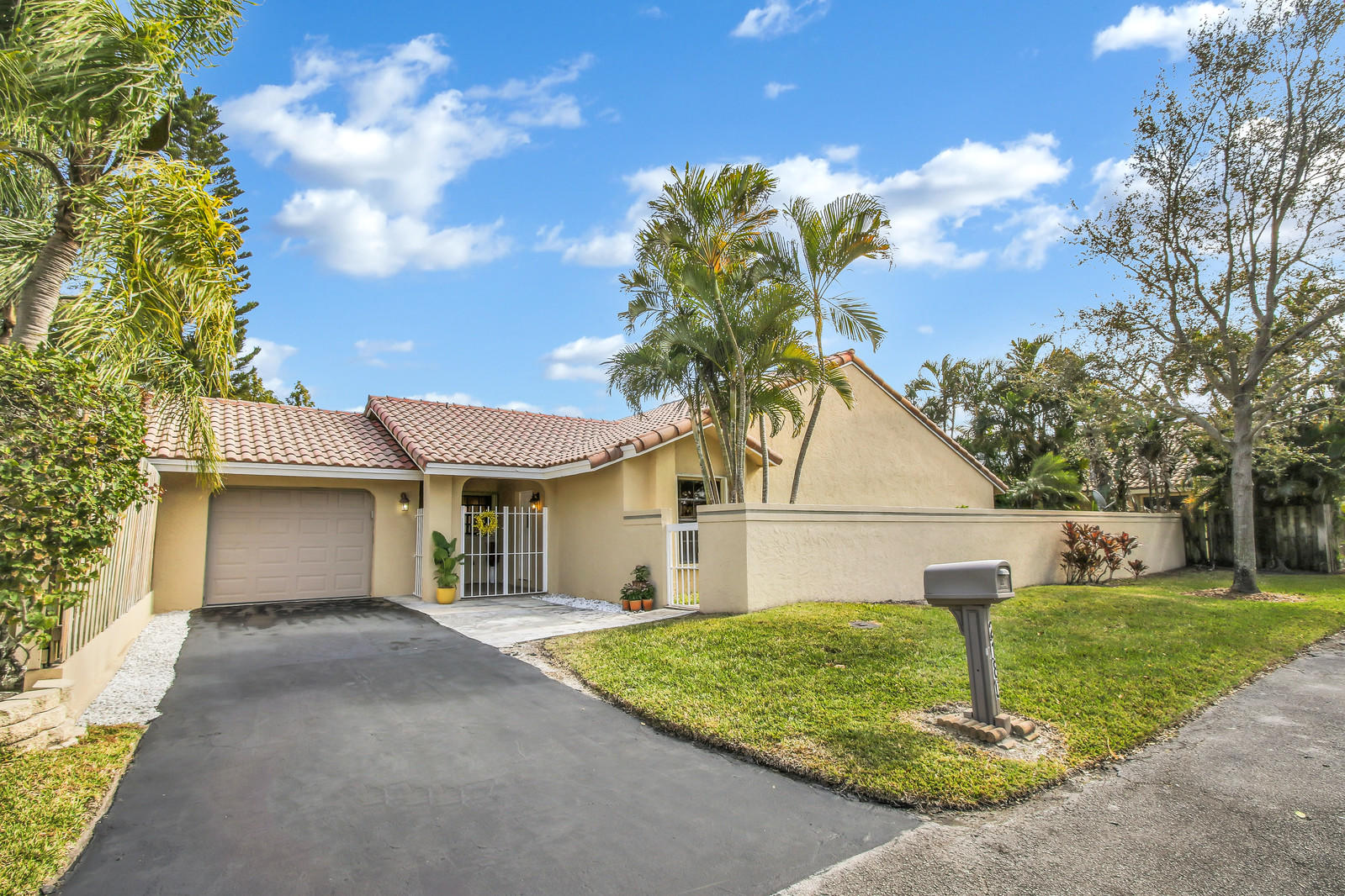 2180 Nw 14th Street, Delray Beach, FL 33445