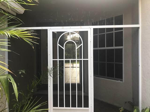 566 Sw Saint Kitts Cove, Port Saint Lucie, FL 34986