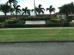 2724 Dudley Drive E, West Palm Beach, FL 33415