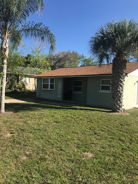 2199 Avienda Avenue, Fort Pierce, FL 34950