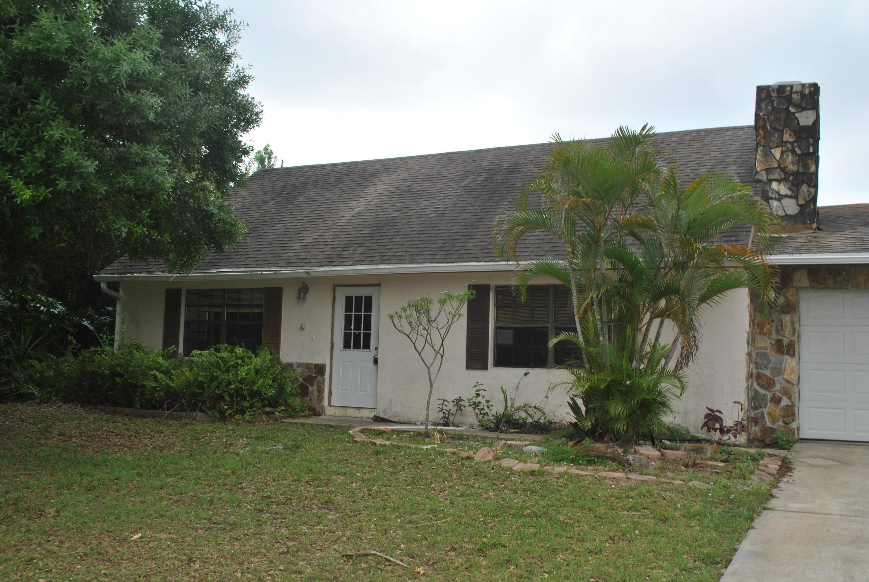 982 Se Damask Avenue, Port Saint Lucie, FL 34983
