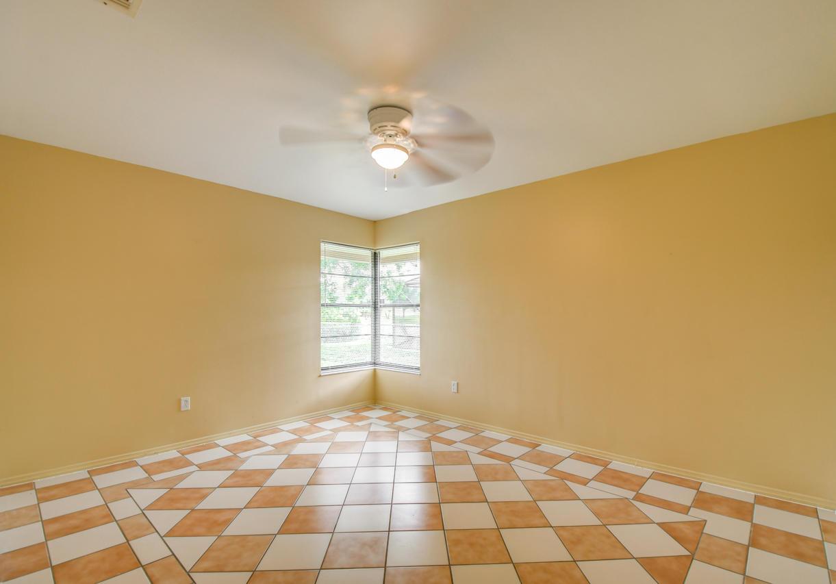 281 Sw Whitmore Drive, Port Saint Lucie, FL 34984