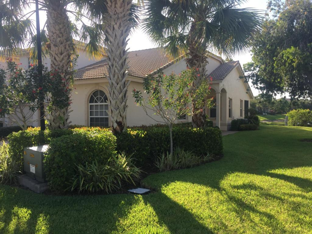 9015 Sand Shot Way, Port Saint Lucie, FL 34986