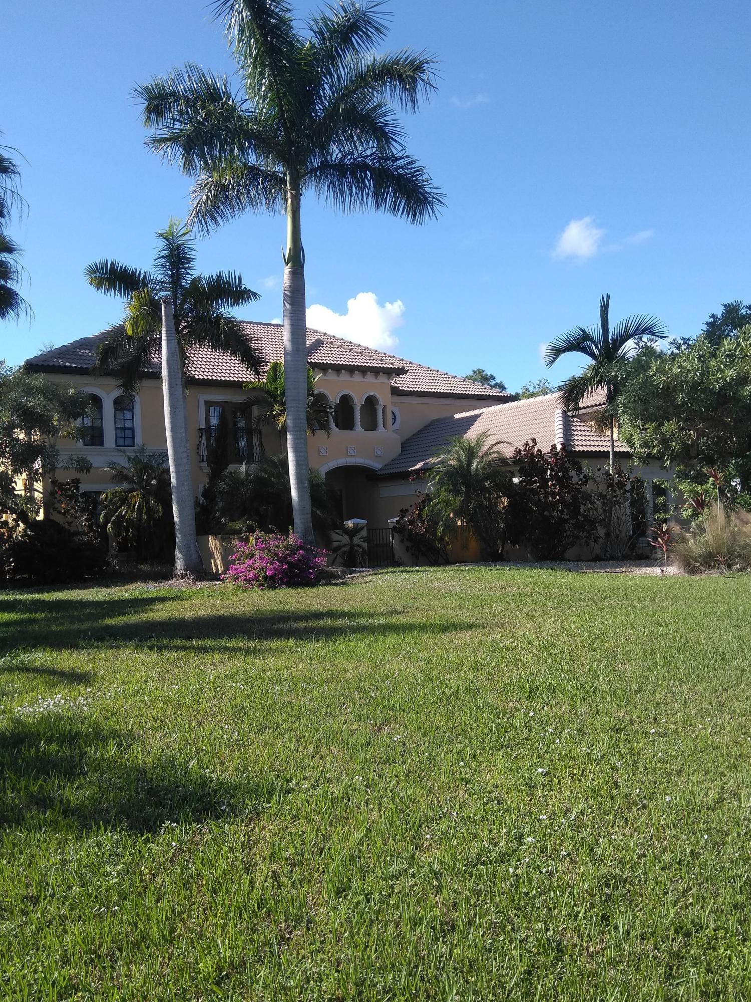 6425 Royal Palm Beach Boulevard, Royal Palm Beach, FL 33412