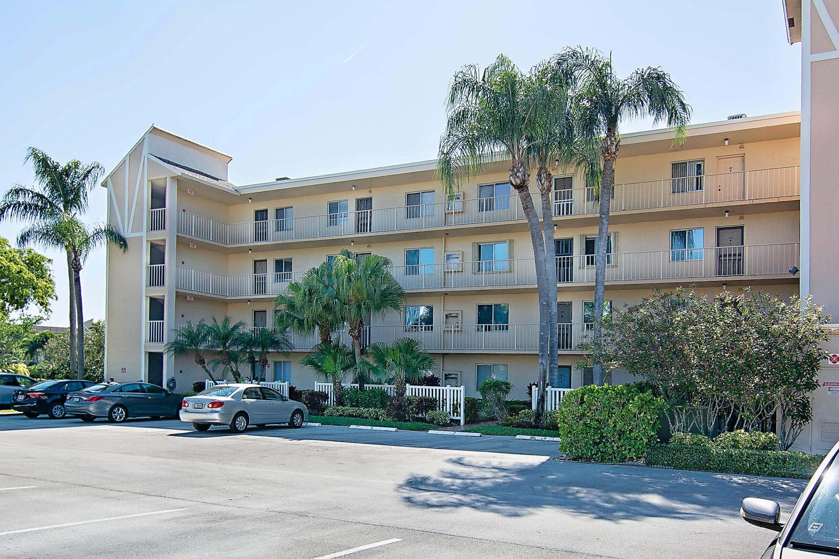14307 Bedford Drive, Delray Beach, FL 33446