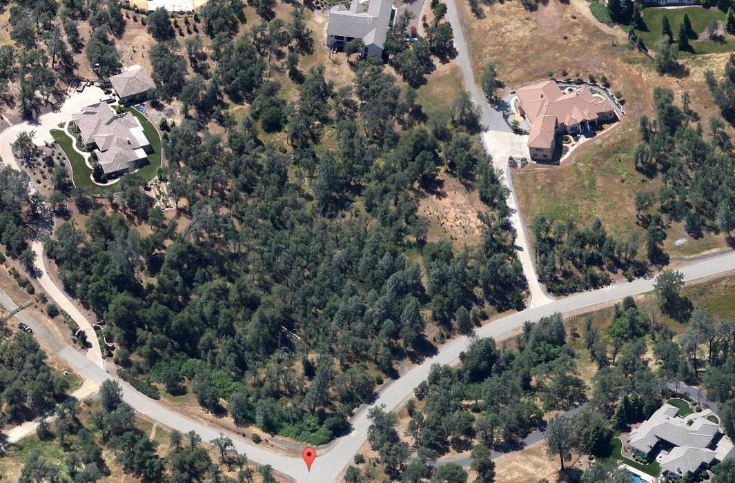 El Camino Robles Rd, Redding, CA 96001