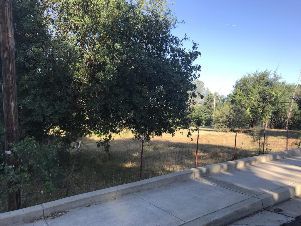 45xx Meade St, Shasta Lake, CA 96019