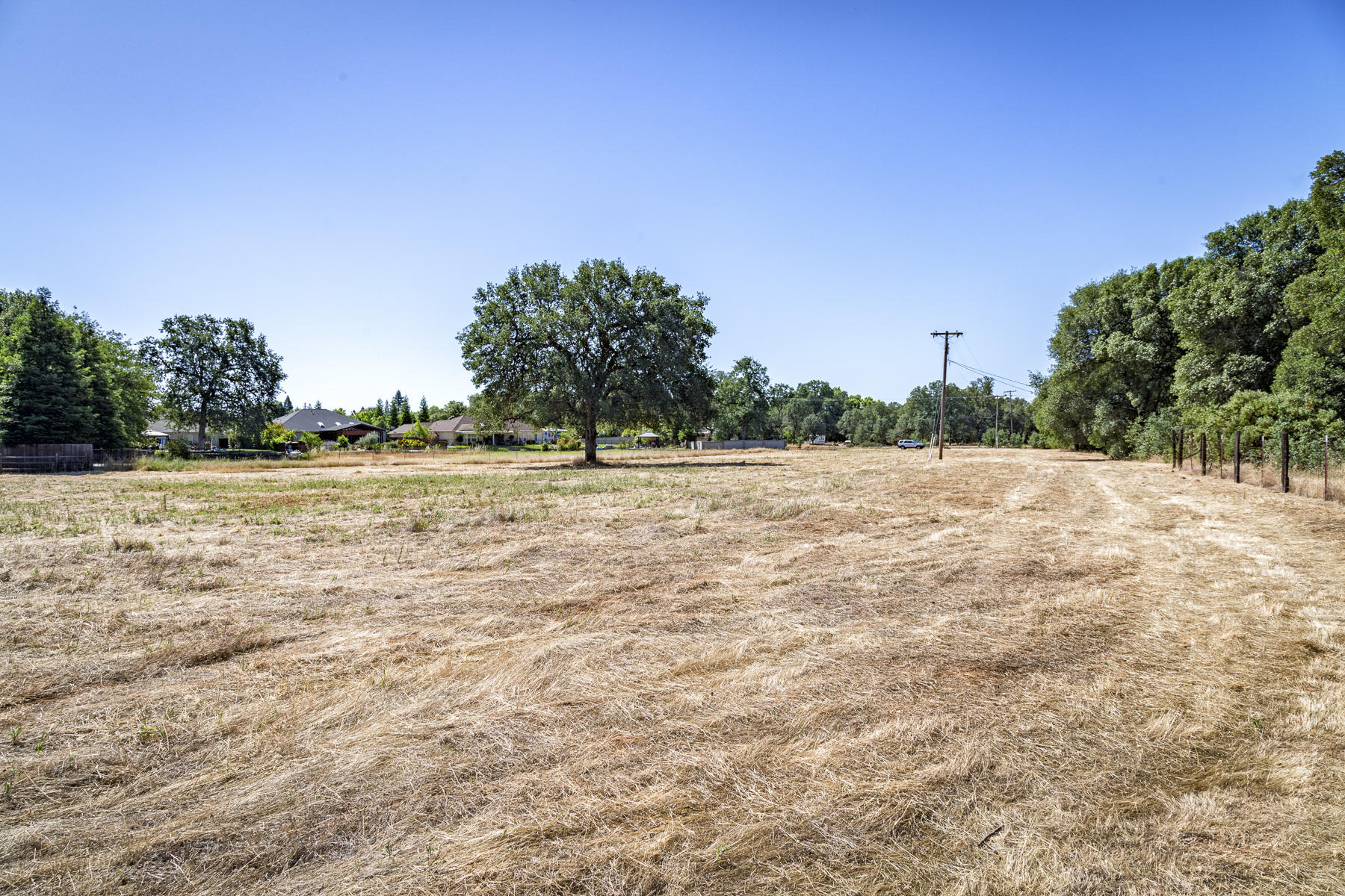 Meadow View Dr, Redding, CA 96002