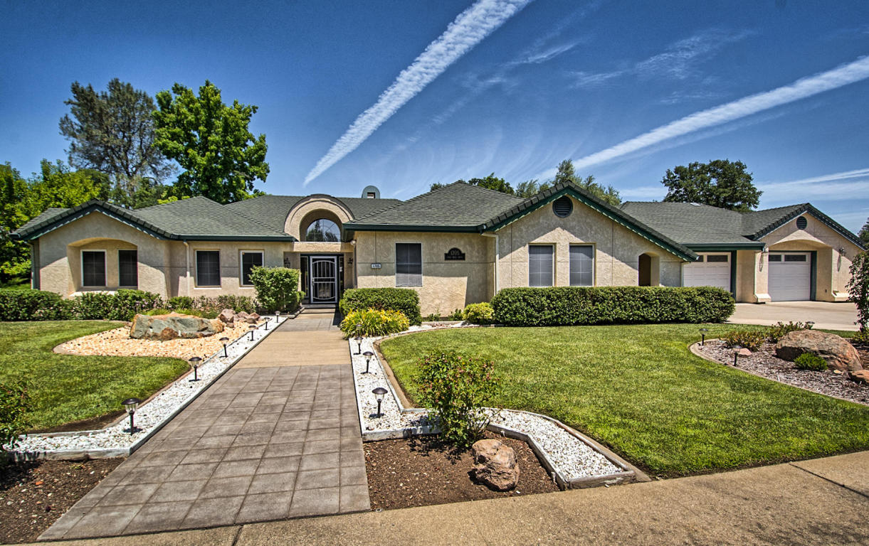 1705 Gold Hills Dr, Redding, CA 96003