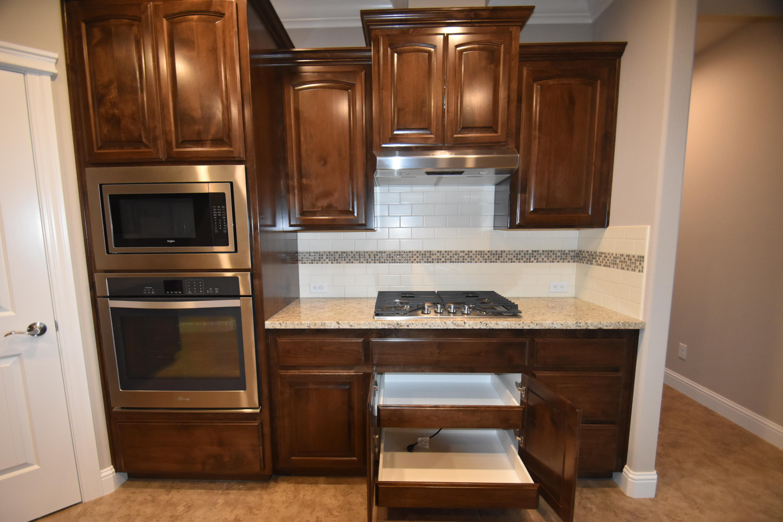 3225 Lemurian Rd, Redding, CA 96002