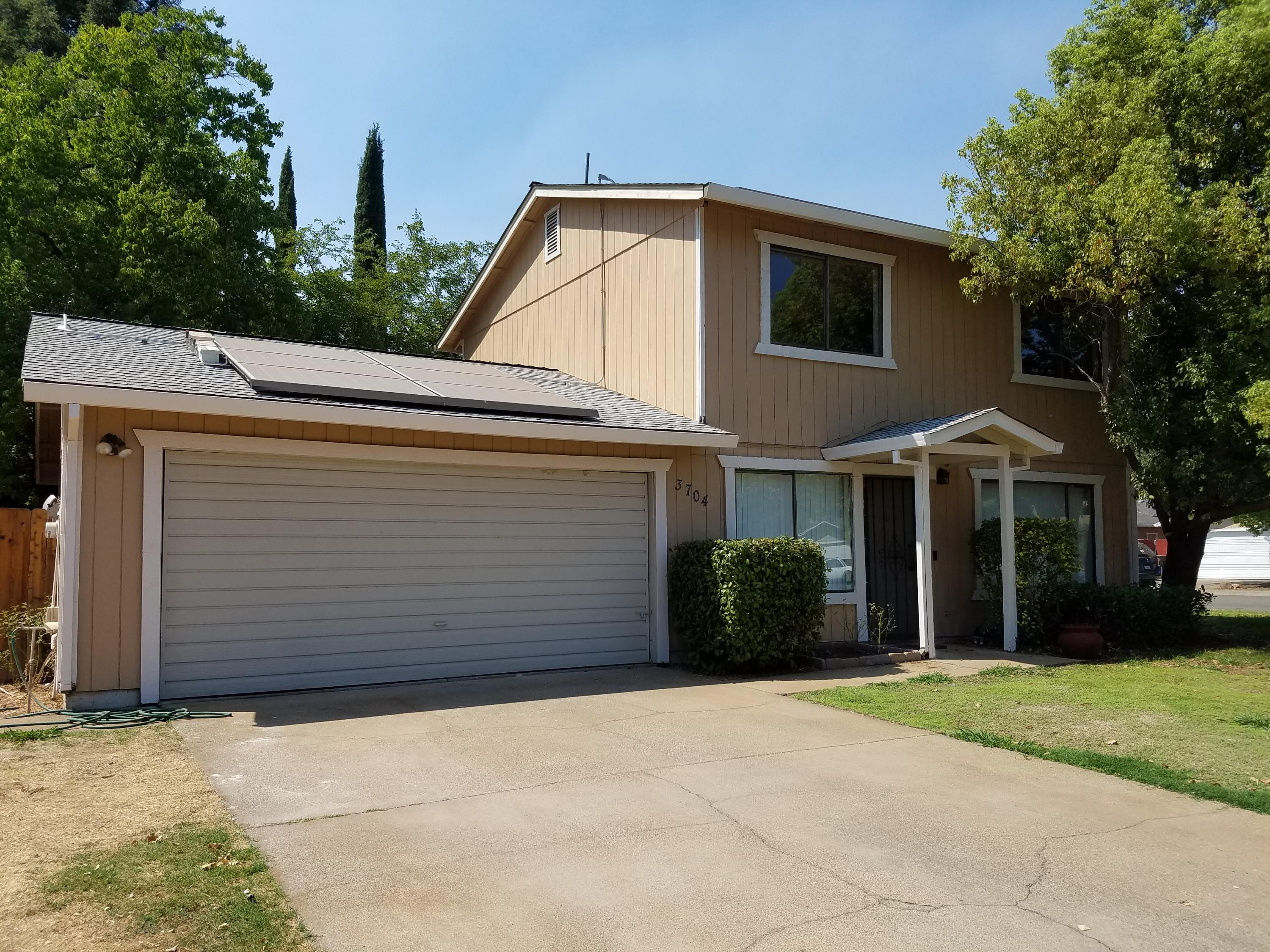 3704 Pluto St, Redding, CA 96002