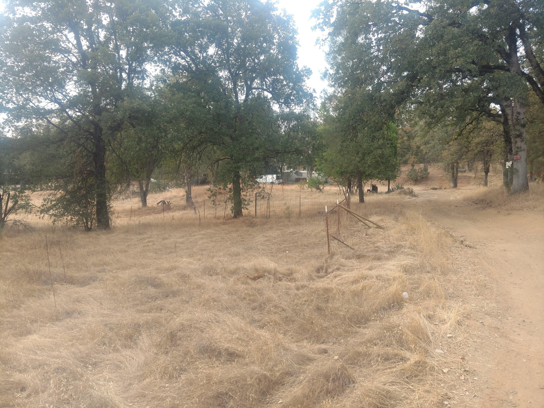 1094 Crooked Oak Ln, Redding, CA 96003