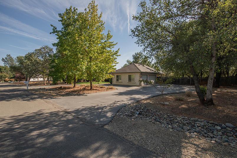 17581 Brehaven Ln, Anderson, CA 96007