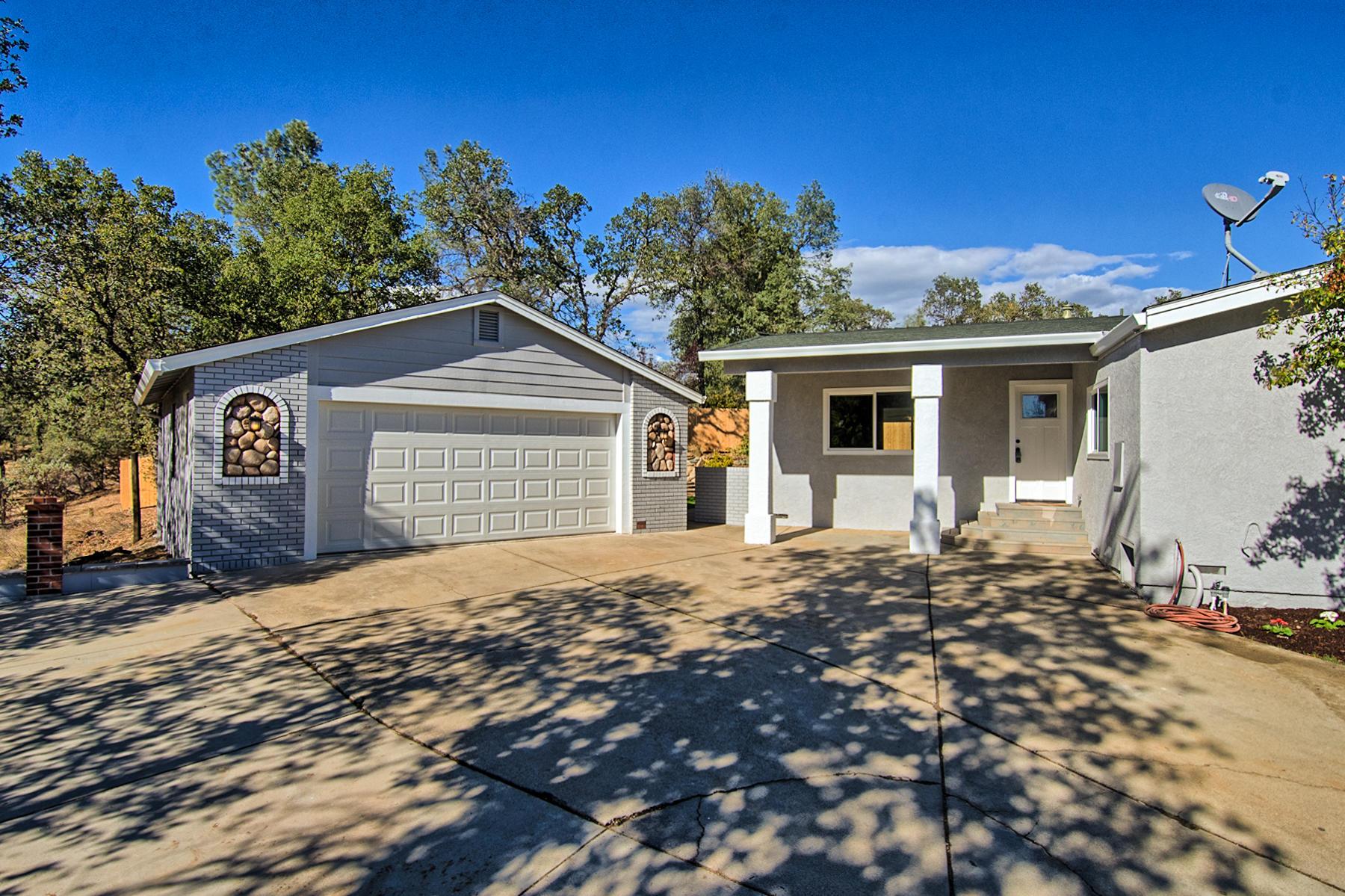 12616 Los Osos Street, Redding, CA 96003