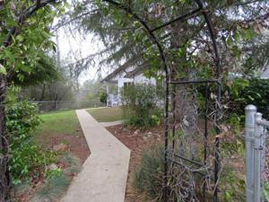 3150 Pinehaven Dr, Redding, CA 96003