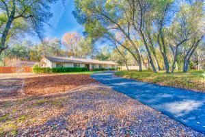 4350 Alta Campo Dr, Redding, CA 96002
