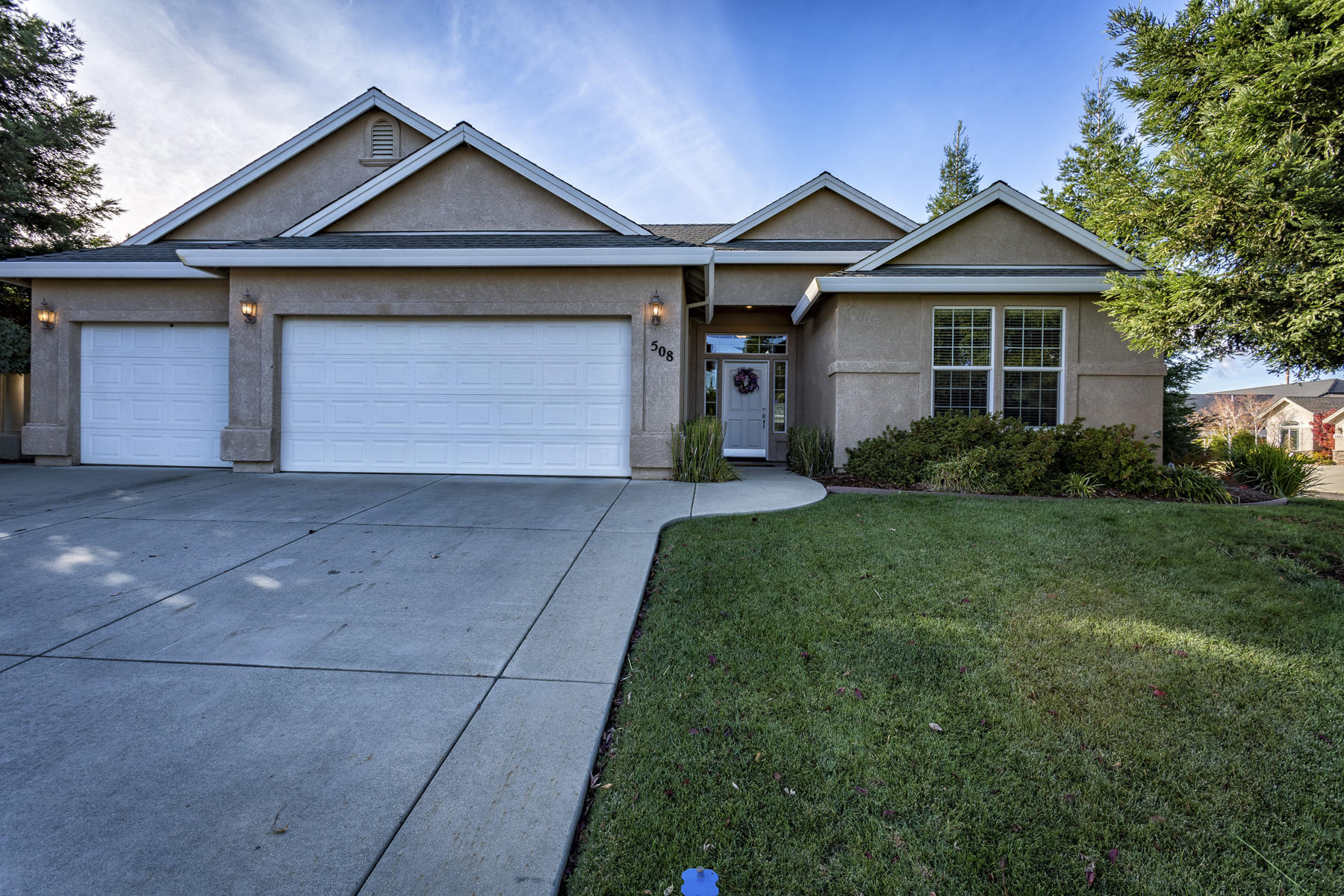 508 Casa Buena St, Redding, CA 96003