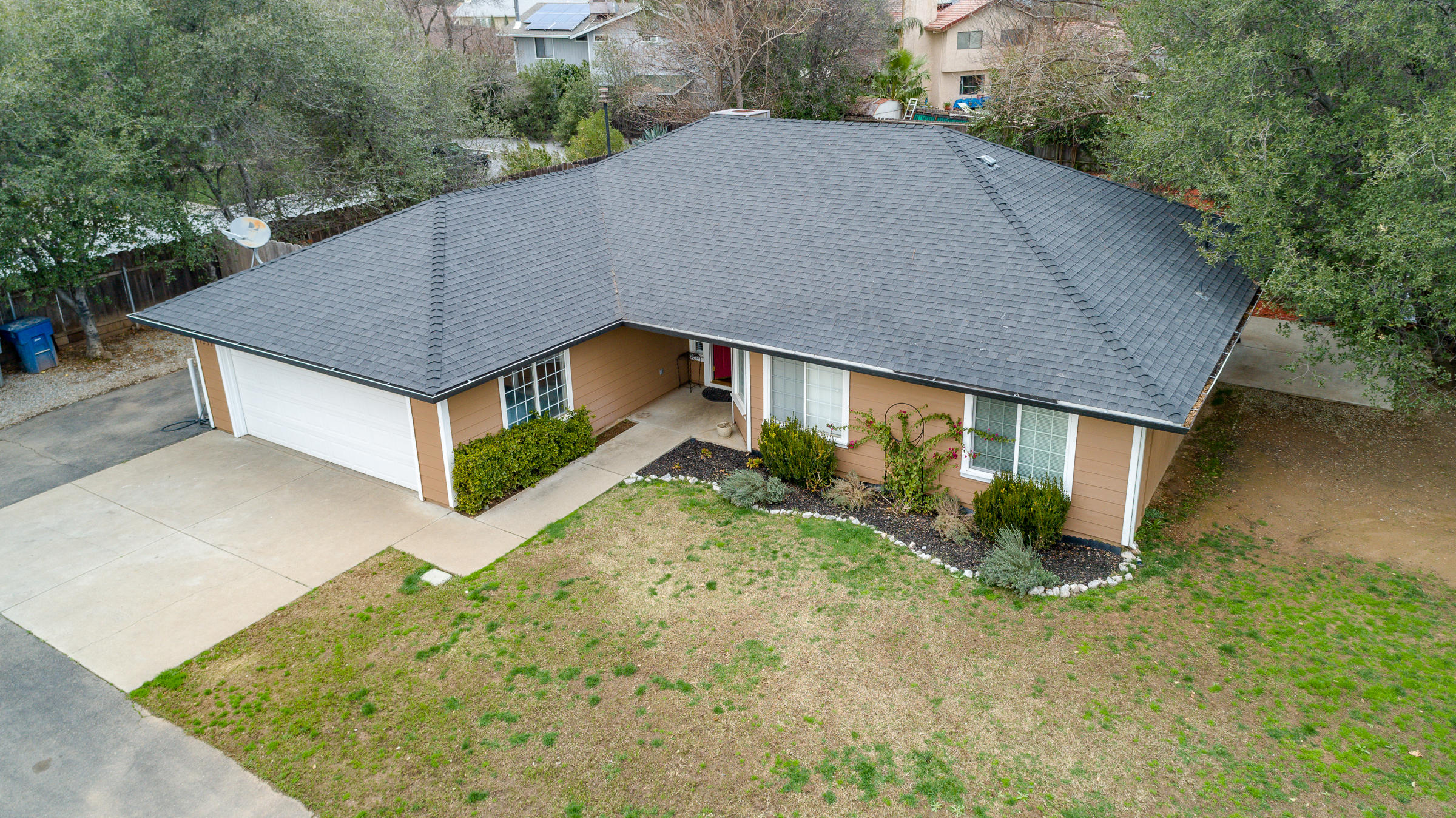 1238 Mistletoe Ln, Redding, CA 96002