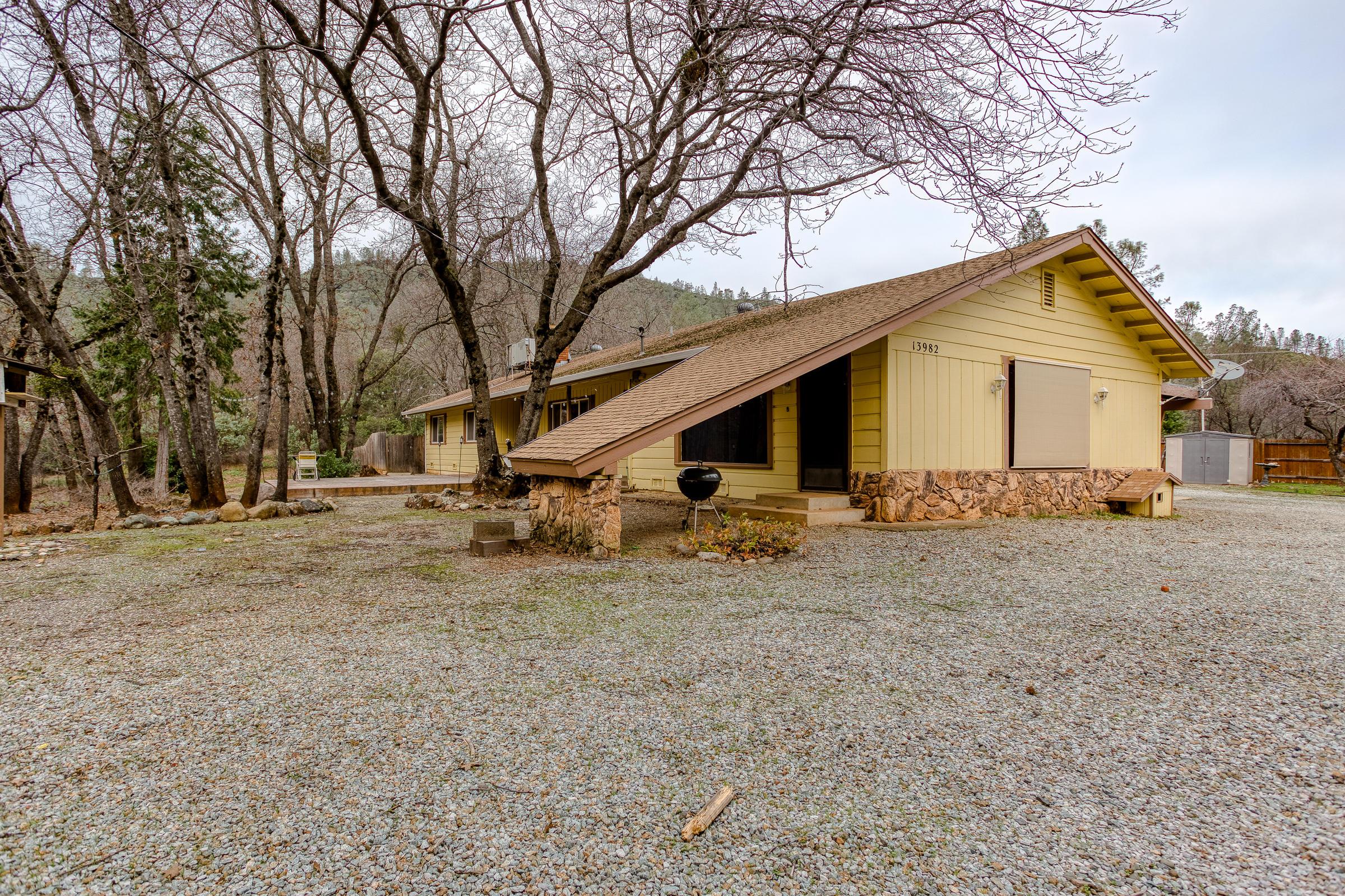 13982 Duval Dr, Shasta Lake, CA 96019