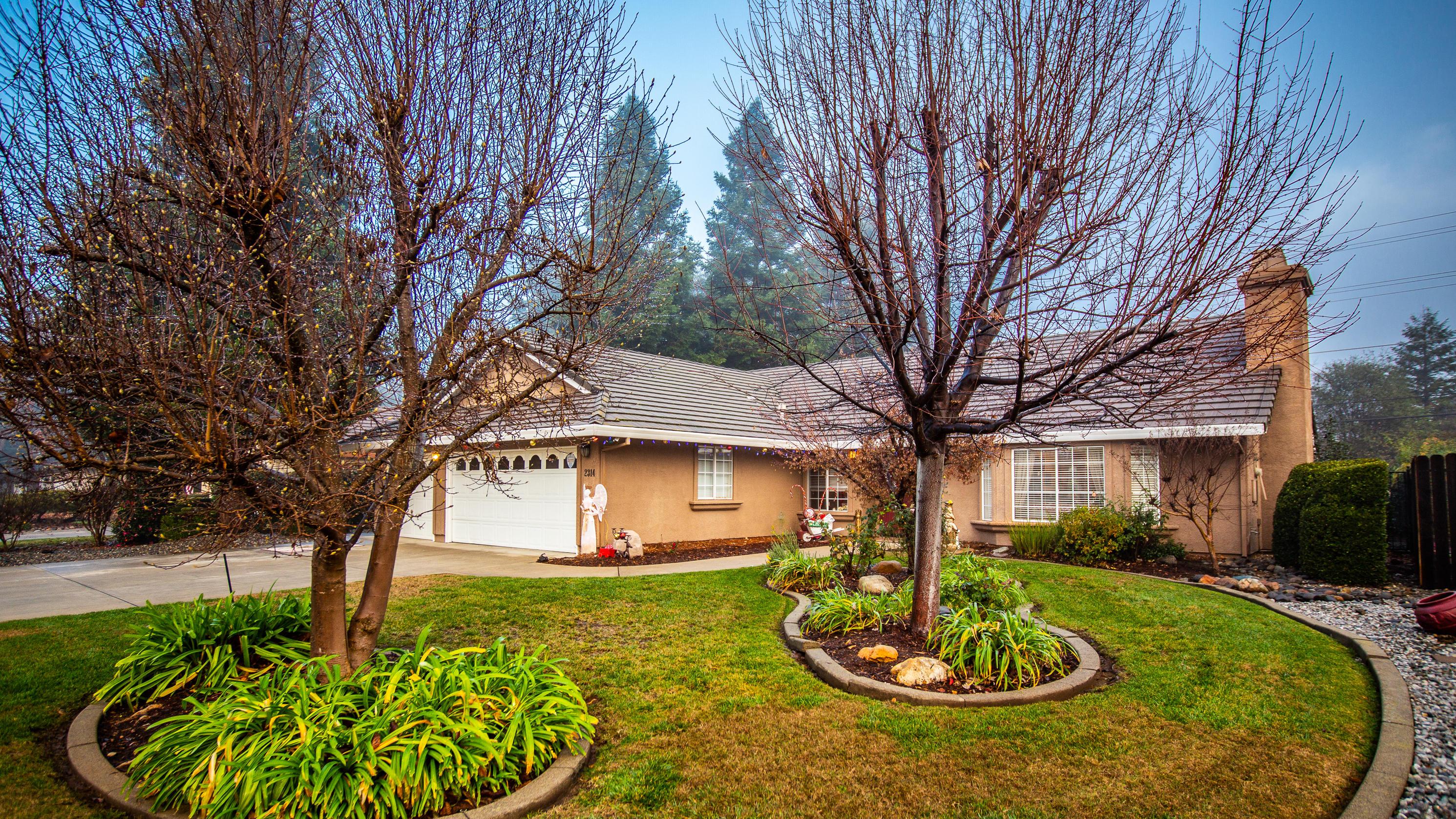 2314 Castlewood Dr, Redding, CA 96002