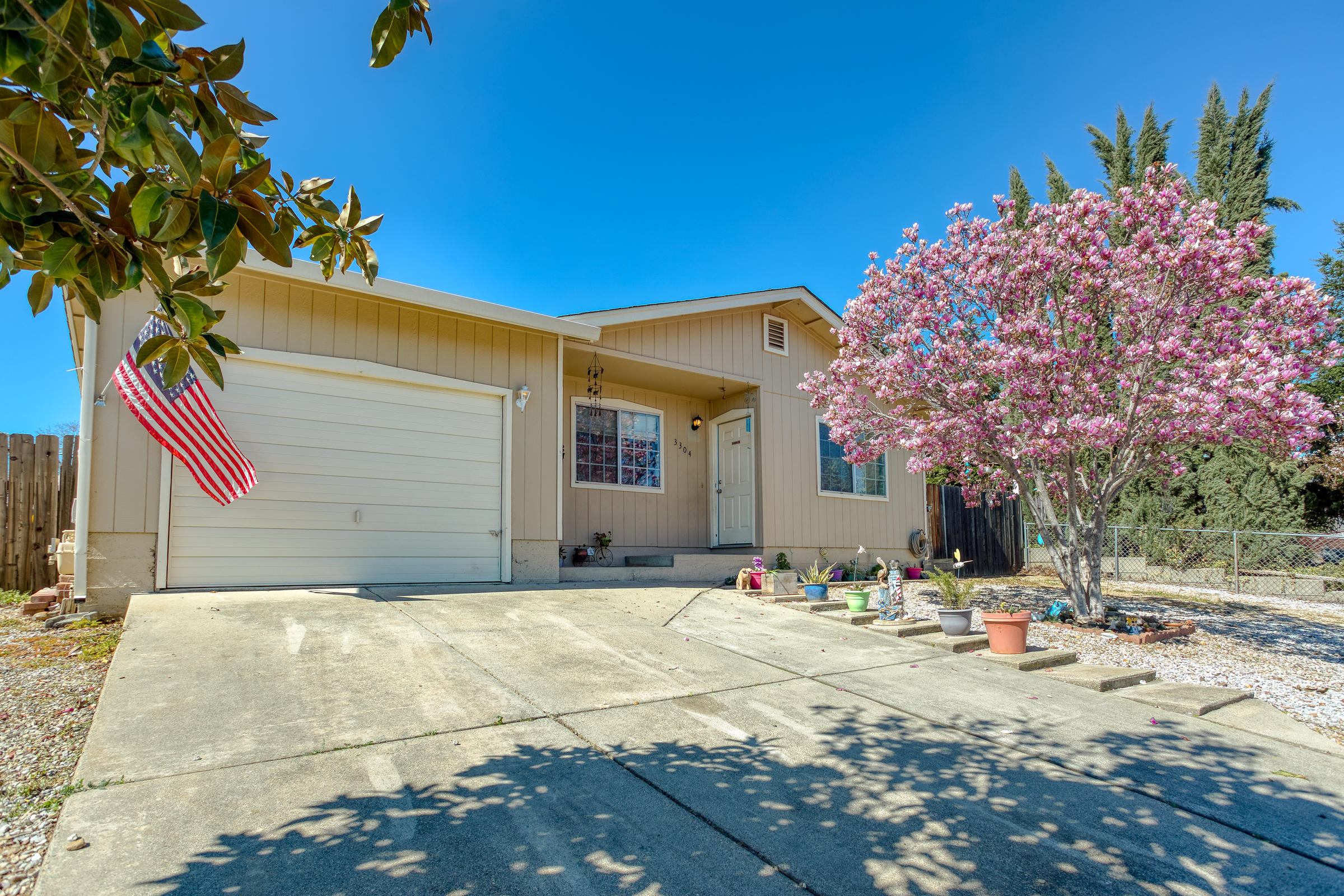 3304 Foothill Vista Dr, Cottonwood, CA 96022