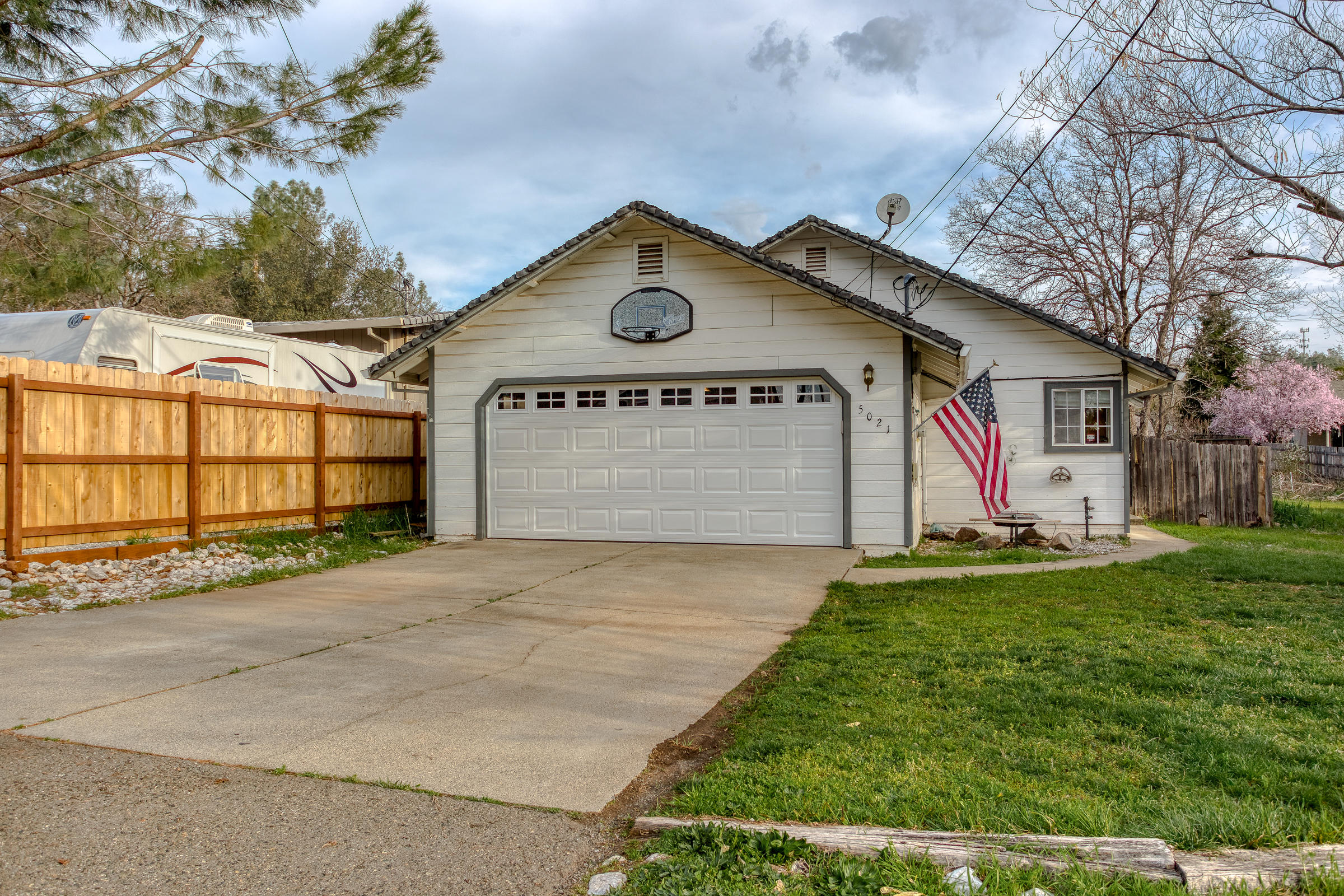 5021 Front St, Shasta Lake, CA 96019