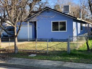 1815 North St, Anderson, CA 96007