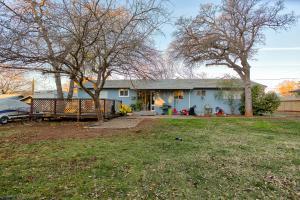 2687 Kenco Ave, Redding, CA 96002