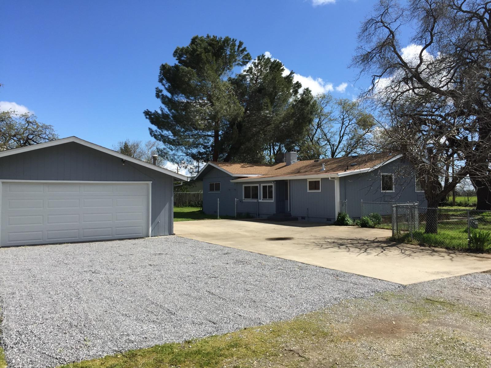 6635 Mountain View Dr, Anderson, CA 96007