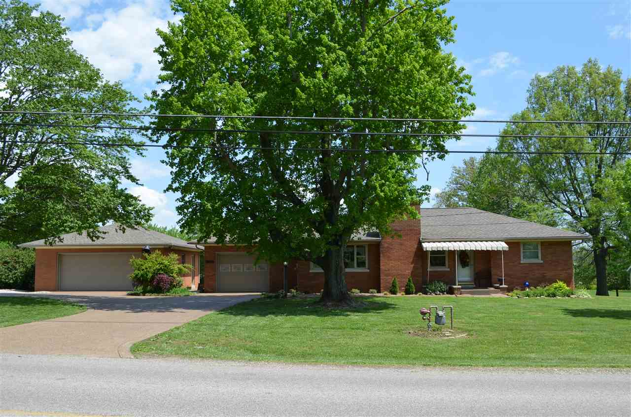 266 S Yankeetown Road, Boonville, IN 47601