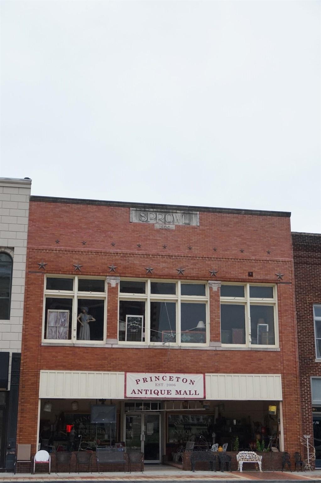 115 & 119 W Broadway Street, Princeton, IN 47670