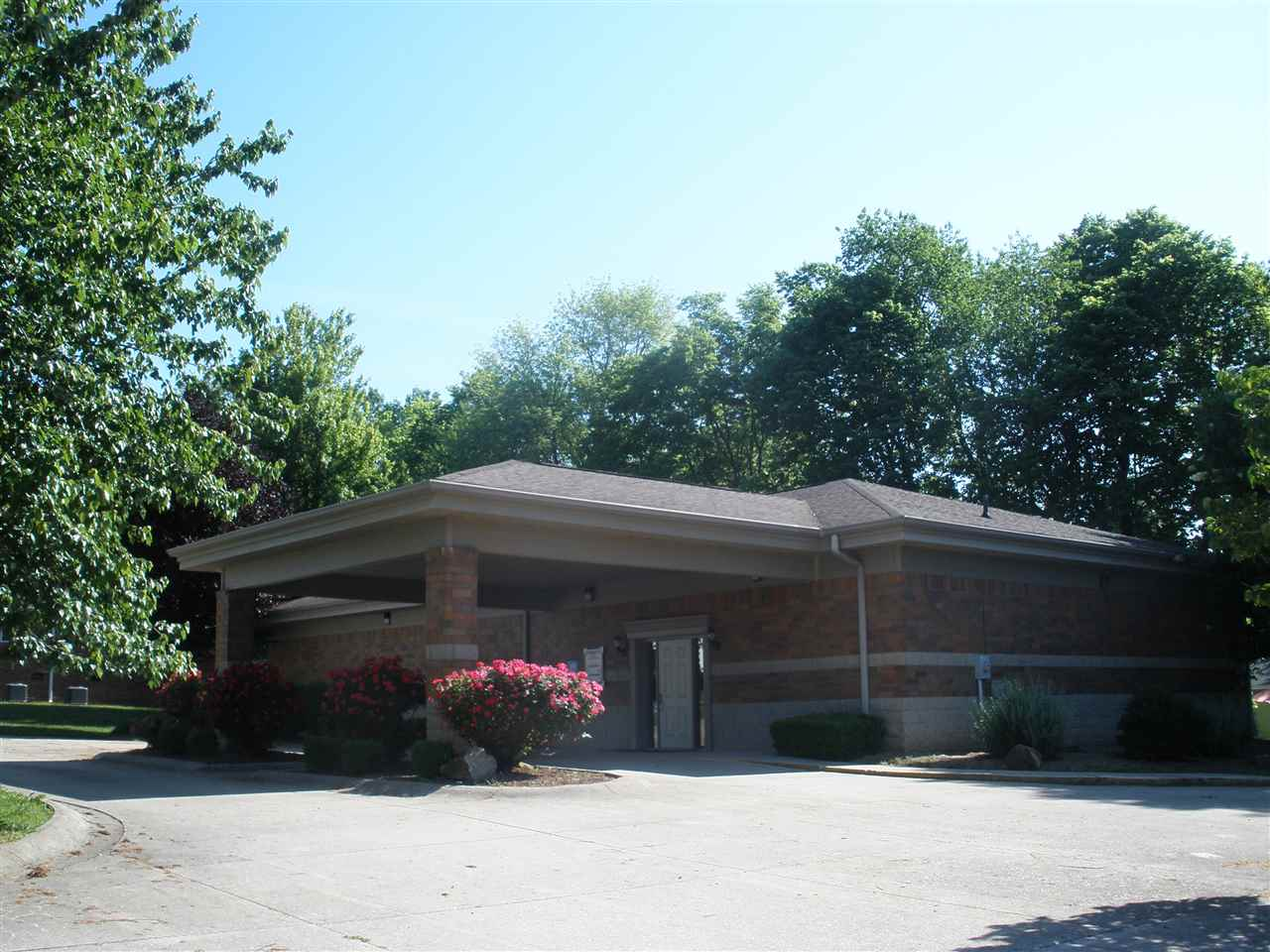 324 S Fifth Ave, Princeton, IN 47670