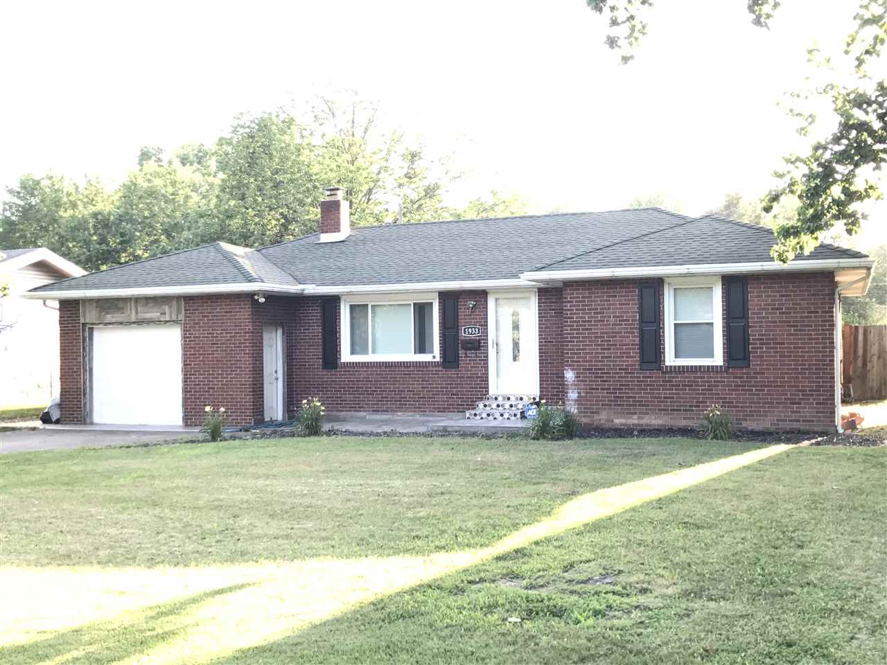 1933 S Walnut Lane, Evansville, IN 47714