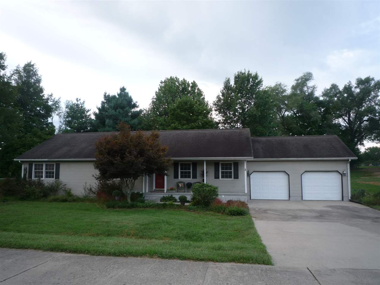 3713 E Crystal Valley Drive, Vincennes, IN 47591