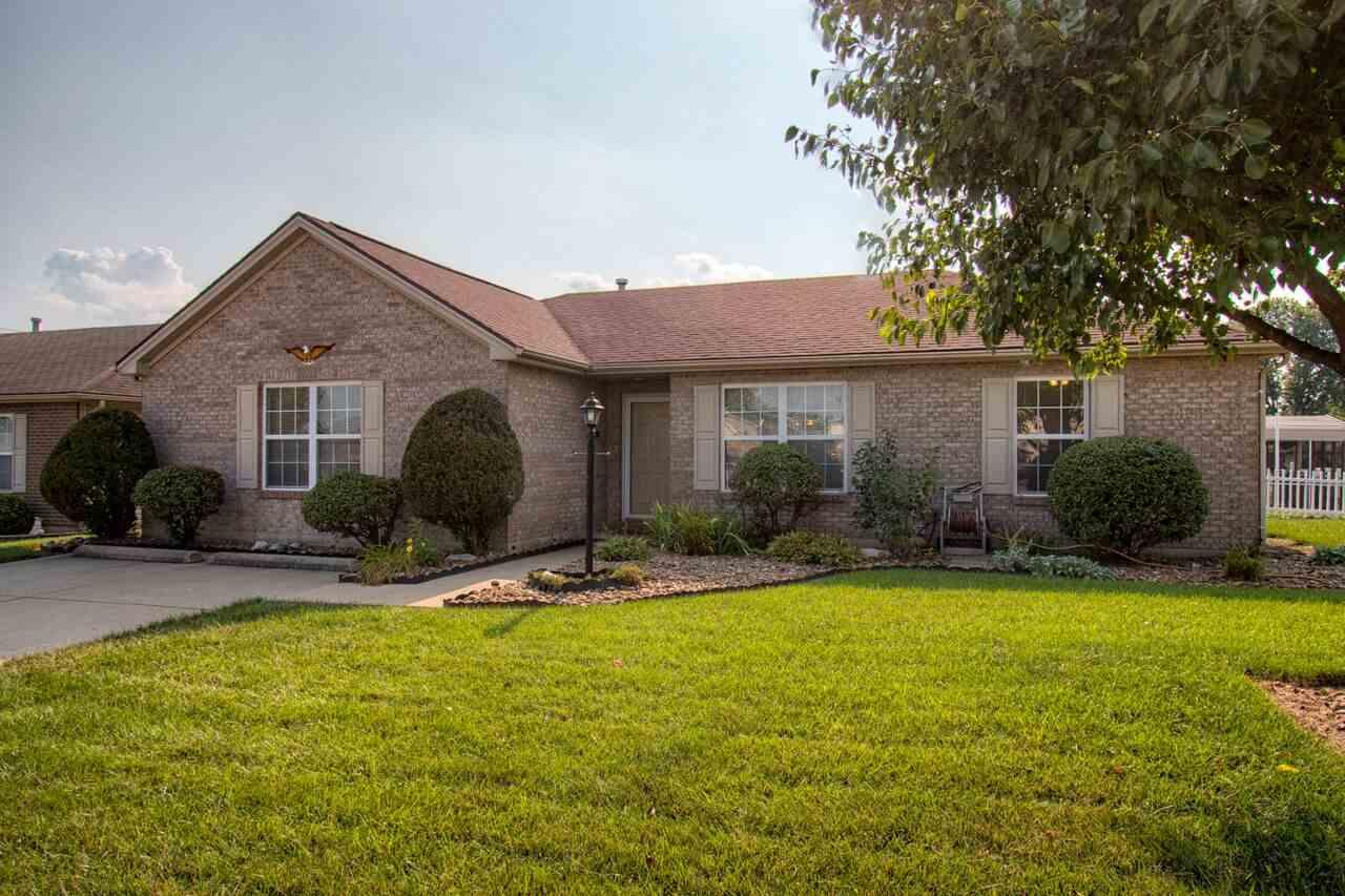 2015 Seasons Ridge Blvd, Evansville, IN 47715