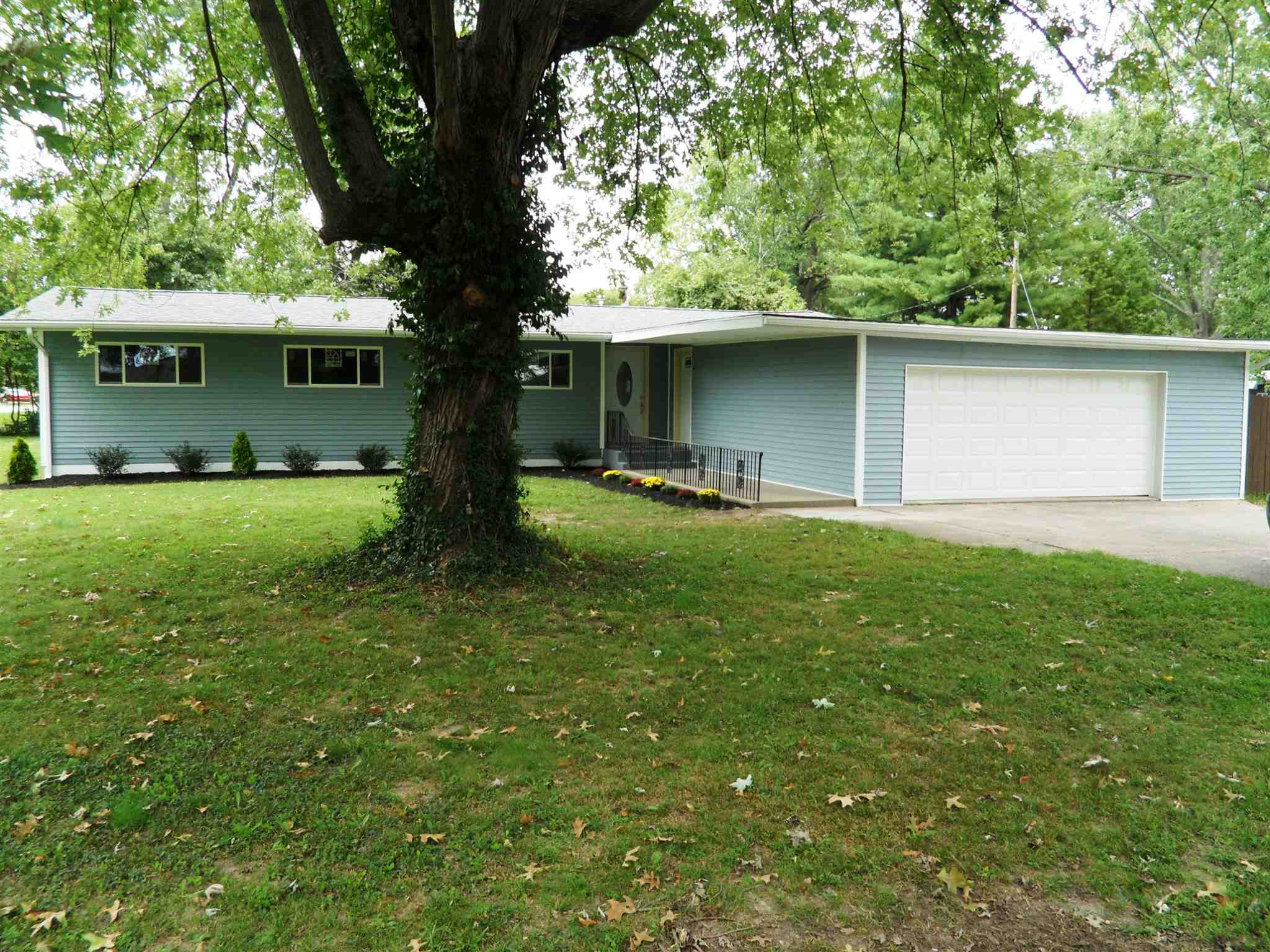110 New Jersey, Princeton, IN 47670