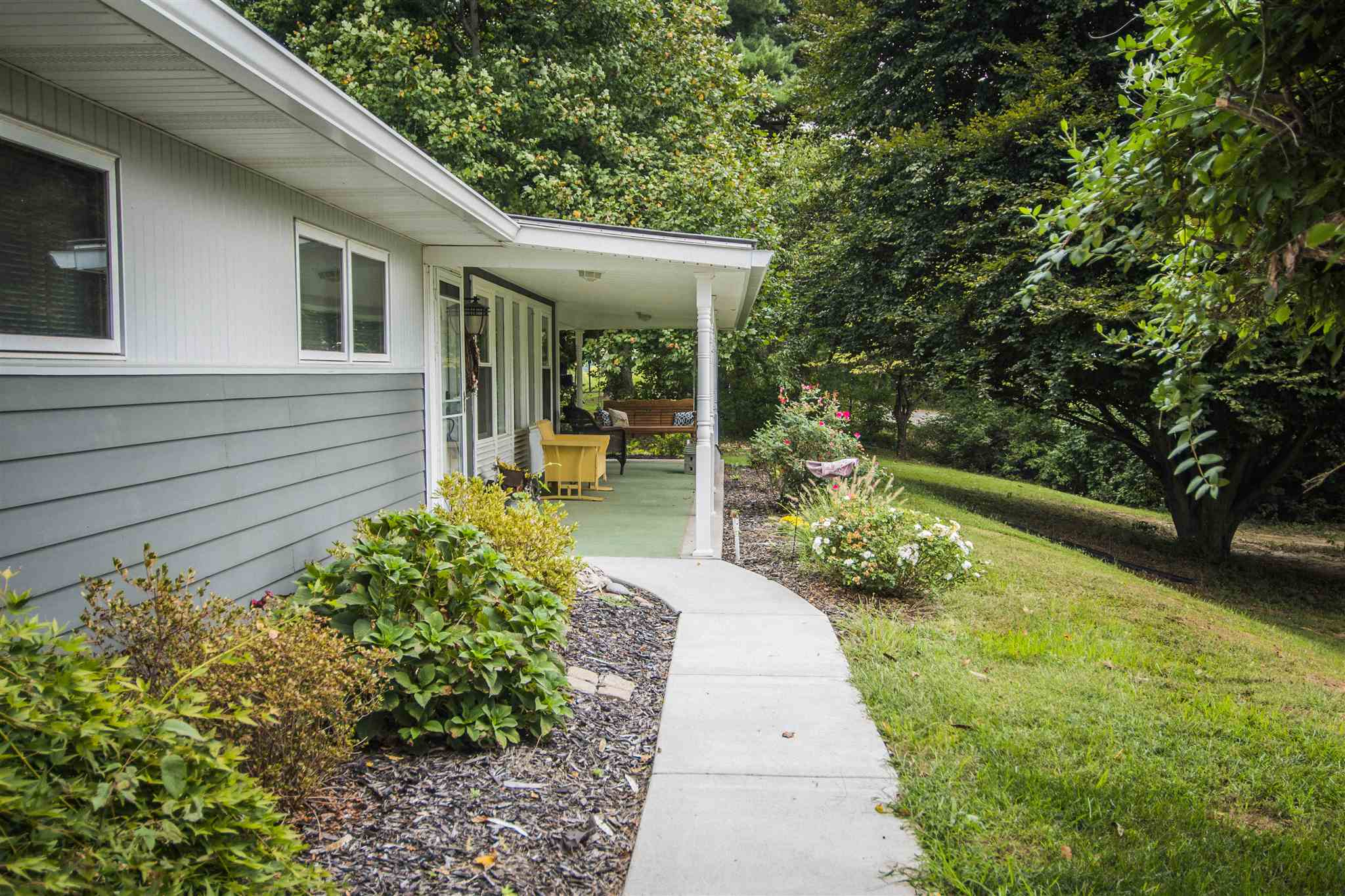 2435 N Windy Hill Road, Vincennes, IN 47591