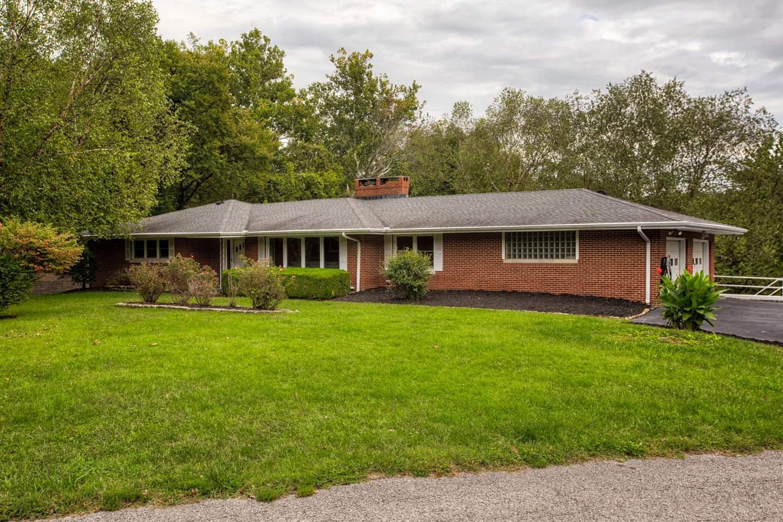 5701 Spring Park Dr, Evansville, IN 47711