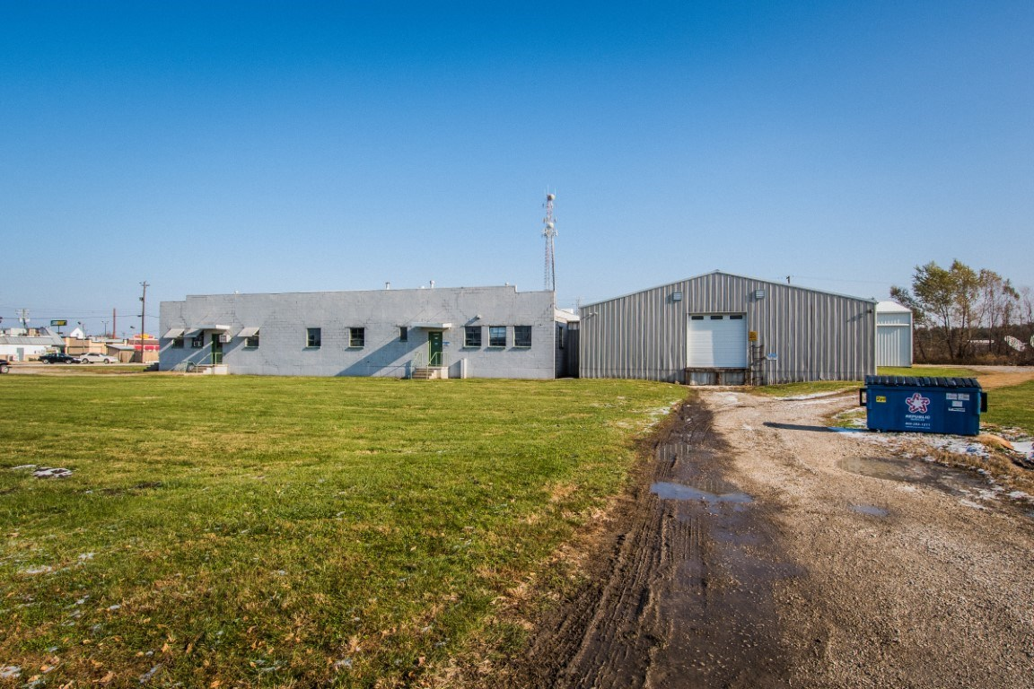 701 Fulton Glass Road, Vincennes, IN 47591
